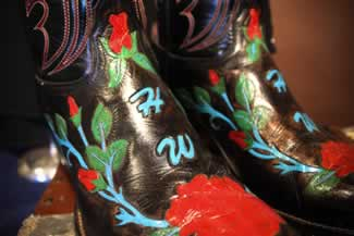 h hank williams jur nudie designed musical shirt aling with his custom made monogaammed boots 3